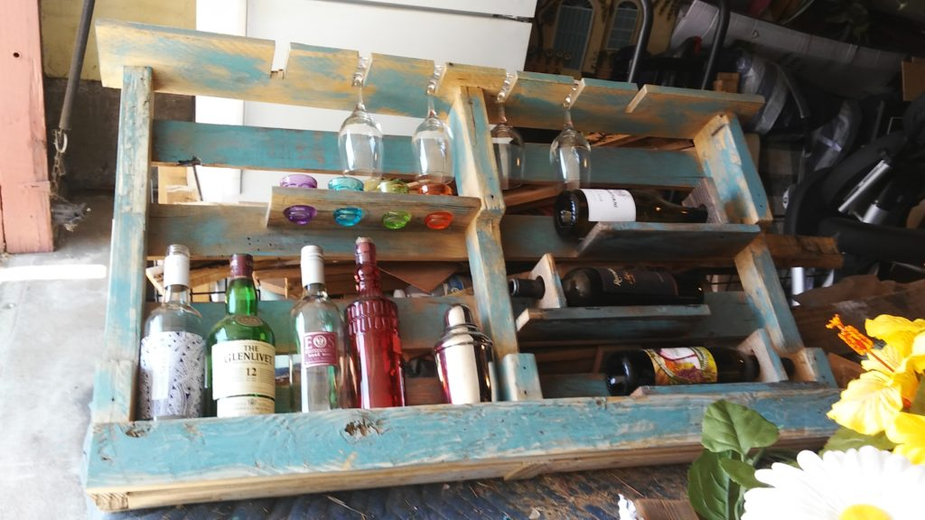 Rundown Rustics Wine Rack Storage Shelf Organizer Display Décor Organizer Cubby Rustic Reclaimed Recycled Upcycled Pallet Barn Wood Bar 5 Bottles 6 Glass holders Upright Wall Mount